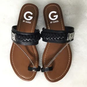 NWOT G By Guess Brown Black w/Toe Chain Sandals 6